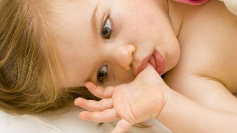 Parmak emen çocukların 'bünyesi güçleniyor'