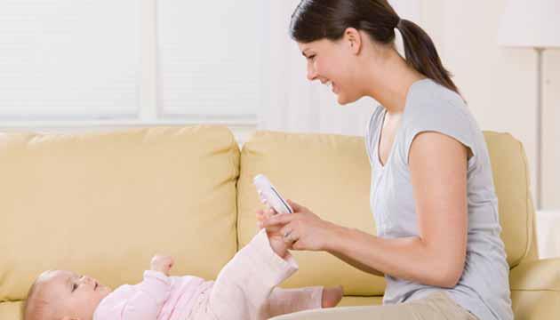 bebek-giydirirken-nelere-dikkat-edilmelidir Bebeği Giydirirken Nelere Dikkat Edilmeli?