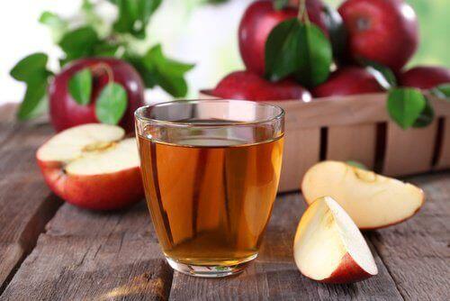 bardakta elma sirkesi