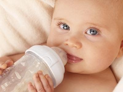 Bebeğin yeterli beslendiği nasıl anlaşılır