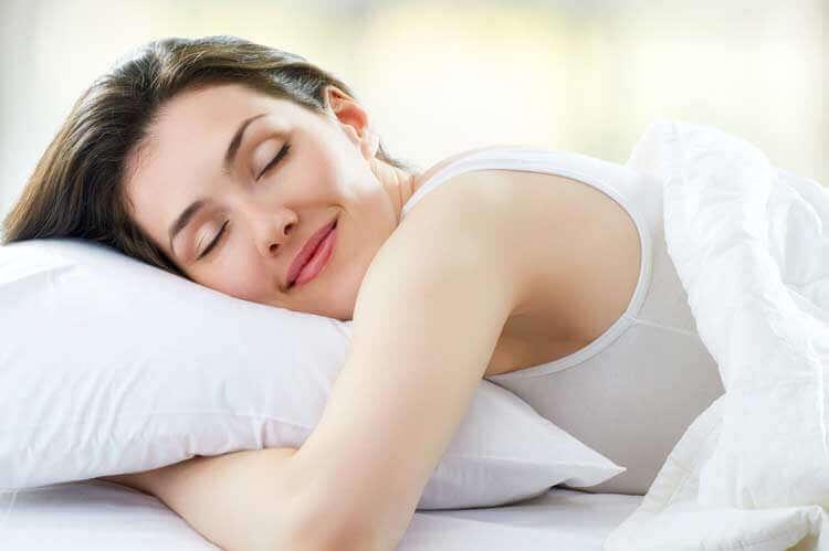 uyuyan kadın