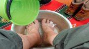 Ayakları sıcak suda bekletmenin inanılmaz faydaları